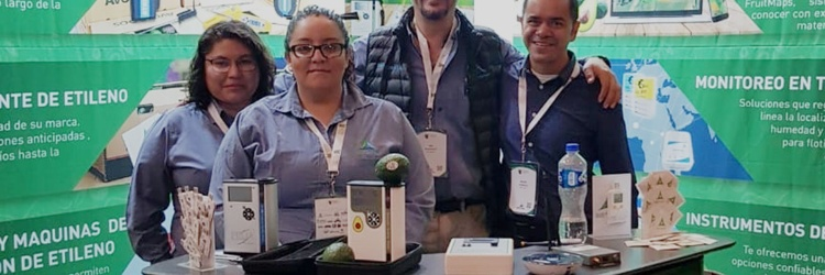 Main image for blog post Felix Instruments Demos the All New Avocado Quality Meter with Distributor Biotempak at the Congreso del Aguacate, Jalisco 2018